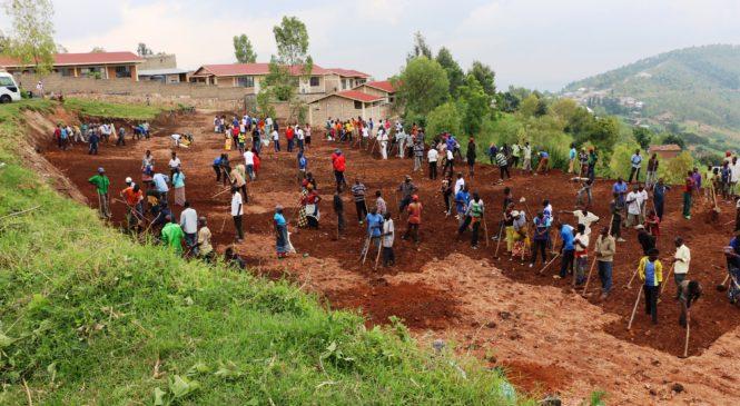 Umuganda utangiza icyumweru cy'abafite ubumuga wakorewe muri CEFAPEK Kamonyi