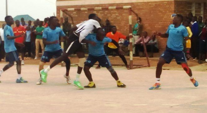 Imikino ya Playoff yongeye guhuza amakipe y'ibigugu Police na APR muri Handball