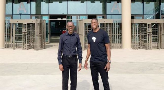 Perezida wa Repuburika Paul Kagame ari kumwe na Masai Ujiri basuye Kigali Arena