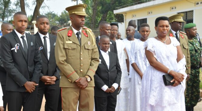 Pierre Nkurunziza wari Perezida w'igihugu cy'u Burundi yashinguwe mu cyubahiro gikomeye