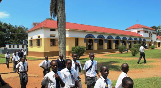 Uganda: Amashuli, Insengero,Utubari bikomeze gufungwa
