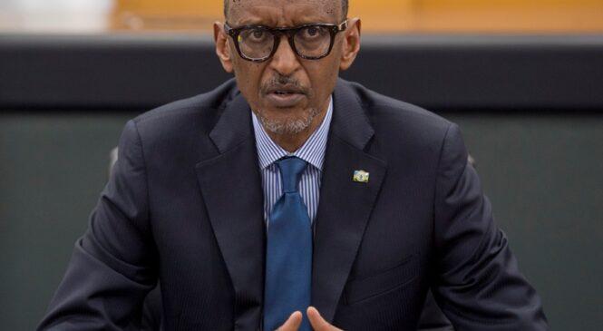 Perezida Kagame yasabye buri wese kongera imbaraga n'ubushake bwo gukorera hamwe